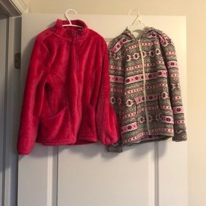2 children sweaters